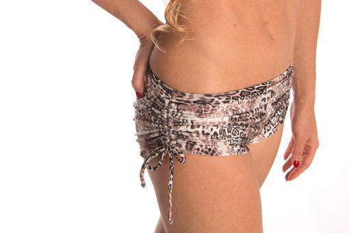 anahata-yoga-clothing-crop-leopard-yoga-shorts
